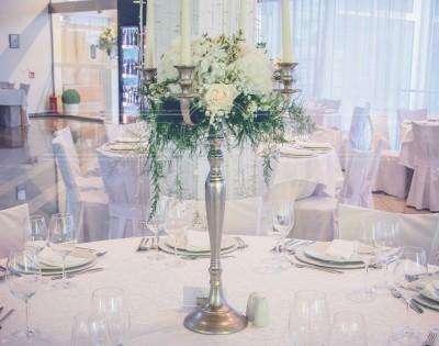 svijećnjak, stol za goste
